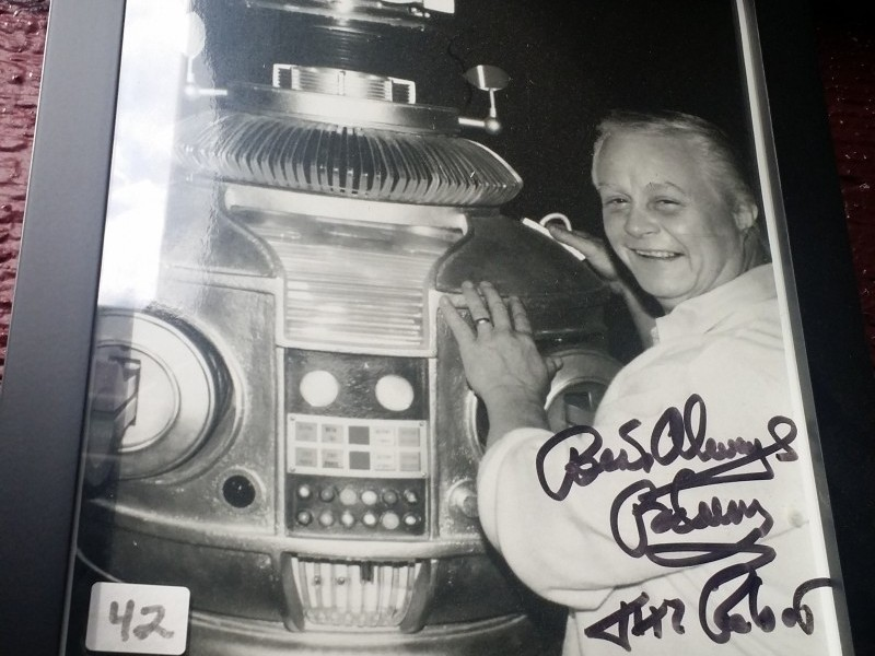 LOST IN SPACE SIGNATURES